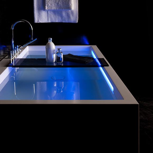 Kartell by laufen rechteck badewanne mit l sch rze led - Badewannen beleuchtung ...